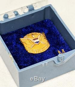 1970s United Air Lines 10 Years of Service Pin in 10K by Robbins in Original Box