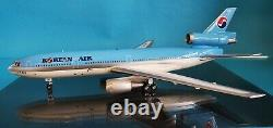Blue Box 1200 DC-10-30 Korean Air HL7316 (with stand) Ref Ref WBDC10KL16