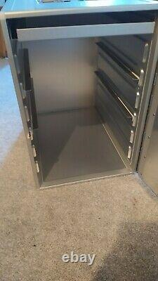 British Airway Galley Box and sliding tray insulated hot/cold Boeing 747 BA