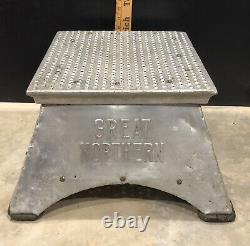 GREAT NORTHERN RAILWAY Morton Conductor Box Railroad Train Passenger Step Stool