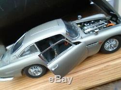 James Bond Aston Martin DB5 by Danbury Mint 124 Scale COA +Plinth & Cover+Box