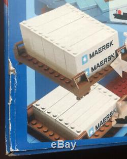 NEW LEGO MAERSK LINE CONTAINER SHIP 10155 transportation boat Bent Box Free Ship