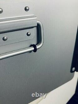 Neue XL Alu Box Unit / Flugzeugtrolley aus der Luftfahrt B-Ware hier sparen