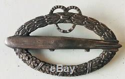 PRICE REDUCED Named German WW1 Named ZEPPELIN Crew Member Medals in Box, Junkers