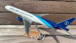PacMin Boeing 777 Kuehne&Nagel Scale 1100 Original Box