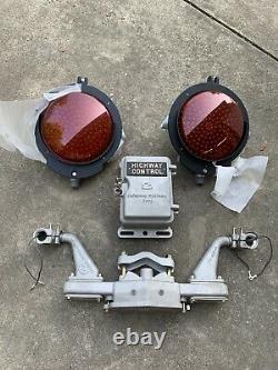 SAFETRAN LED Railroad Crossing Signal 11 Lens & Light Bar Holder, & Control Box